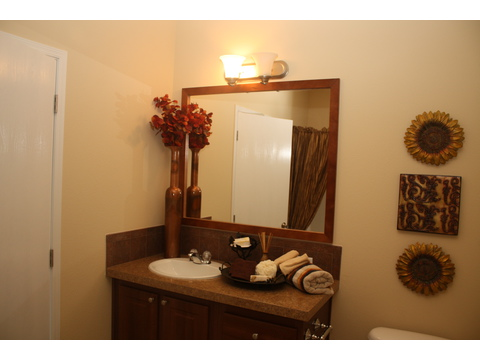 Master Bath - The Bay View II 48S09, Palm Harbor Homes