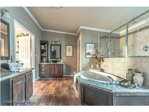 Master Bath - The Hacienda II by Palm Harbor Homes