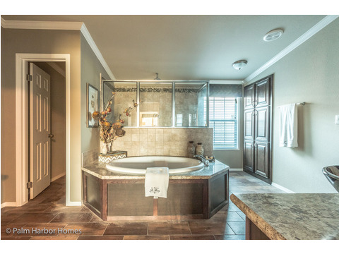 This Granda Spa bathroom is 2nd to none!! Spoil your spouse with an evening of rest and relaxation in your own spa - The Hacienda II by Palm Harbor Homes - The Hacienda II by Palm Harbor Homes