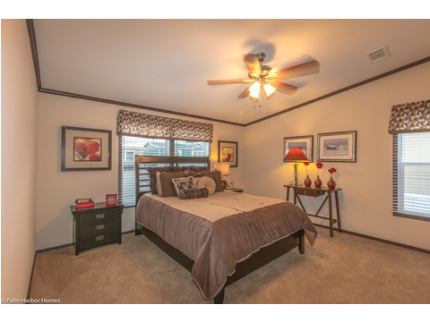 Master Bedroom - The Builtmore HPT476X5 by Palm Harbor Homes