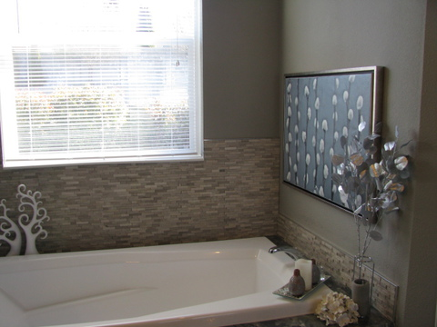 Soaker tub in master bath - The Casa Grande AD28764A by Palm Harbor Homes