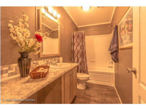 2nd bathroom - The Super Saver Carrington 4 SA30764C by Palm Harbor Homes