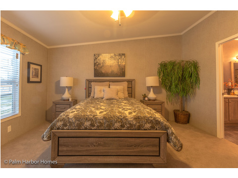Master bedroom - The Super Saver Carrington 4 SA30764C by Palm Harbor Homes