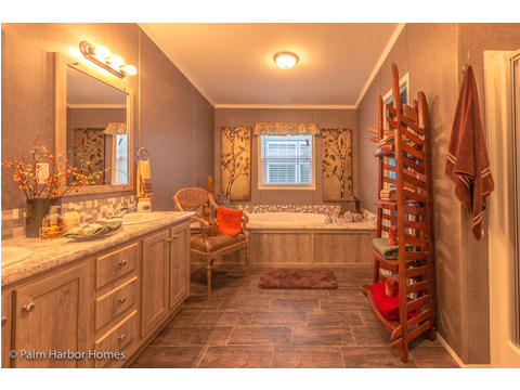 Master bath - The Super Saver Carrington 4 SA30764C by Palm Harbor Homes