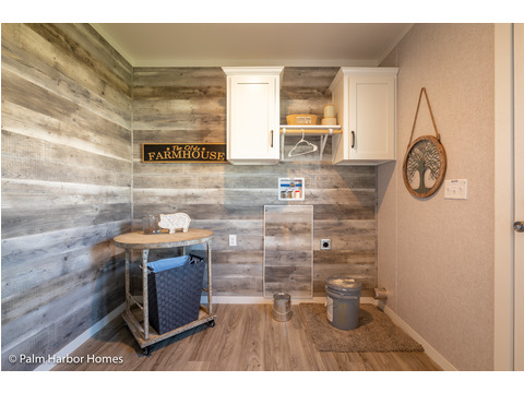 Utility Room of the Magnum home - a manufactured home by Palm Harbor Homes - with 4 Bedrooms, 2 Baths - www.palmharbor.com