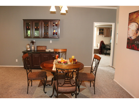 Spacious Dining Room in the Casa Grande by Palm Harbor Homes - 4 Bedrooms, 3 Baths, 2520 Sq. Ft.