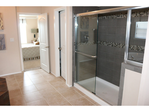 Walk-in shower in the Master Bath.  The Casa Grande by Palm Harbor Homes - 4 Bedrooms, 3 Baths, 2520 Sq. Ft.