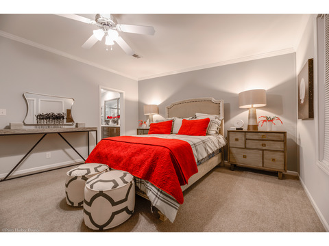 Master Bedroom - Malibu by Palm Harbor Homes, 3 Bedrooms, 2 Baths, 1,800 Sq. Ft.