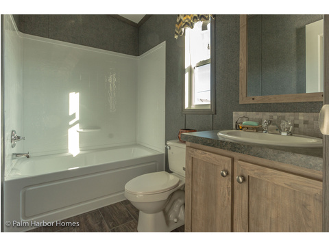 Guest bathroom - The Super Saver Benbrook SA28644B by Palm Harbor Homes