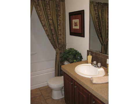 Second bath has all of the style and room of the rest of the house - no skimping here! - American Dream 66', Palm Harbor Homes