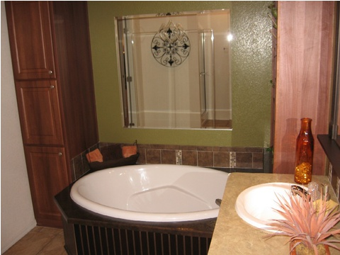 Soak your stress away at the end of the day in this fabulous tub! - American Dream 66', Palm Harbor Homes