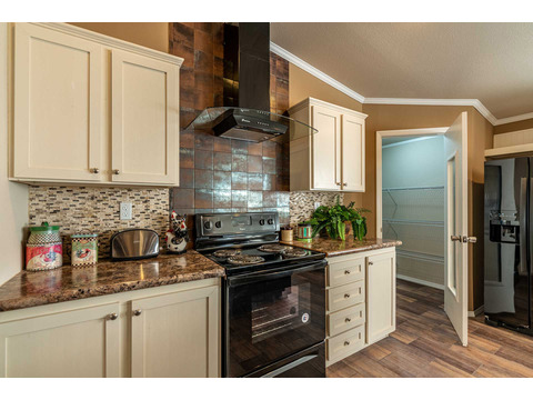 Kitchen in the Canyon Bay I Model FT32684A - 4 Bedrooms, 2 Baths, 2,108 Sq. Ft. manufactured home by Palm Harbor Homes