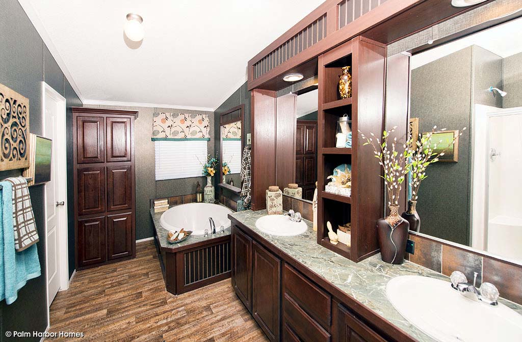 The Yukon Master Bath